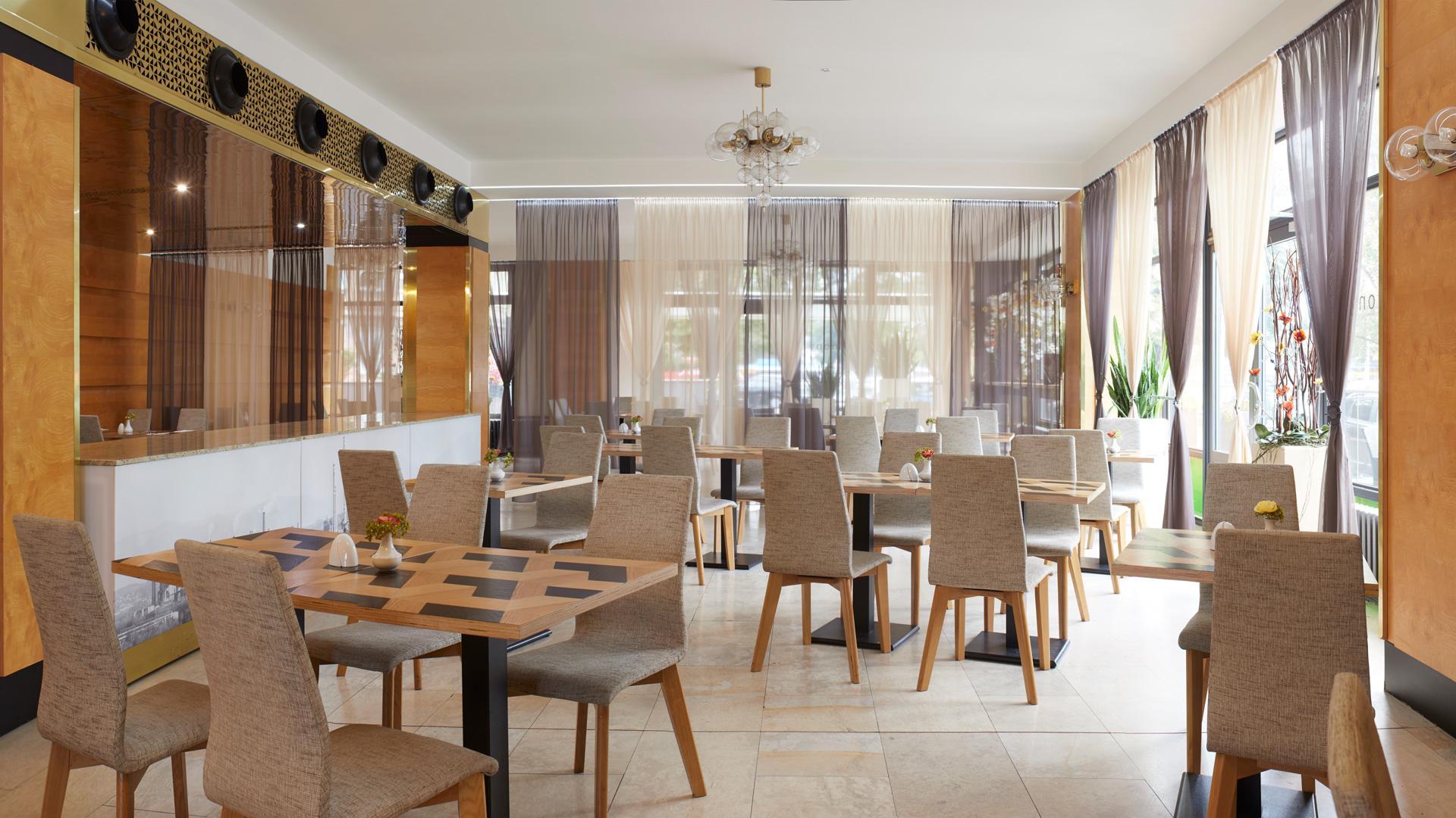 hotel-harmony-restaurace